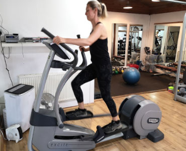 We will normally start with a full-body warm up using a cross-trainer.